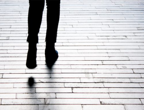 How can experienced debt collectors help you track your debtors?